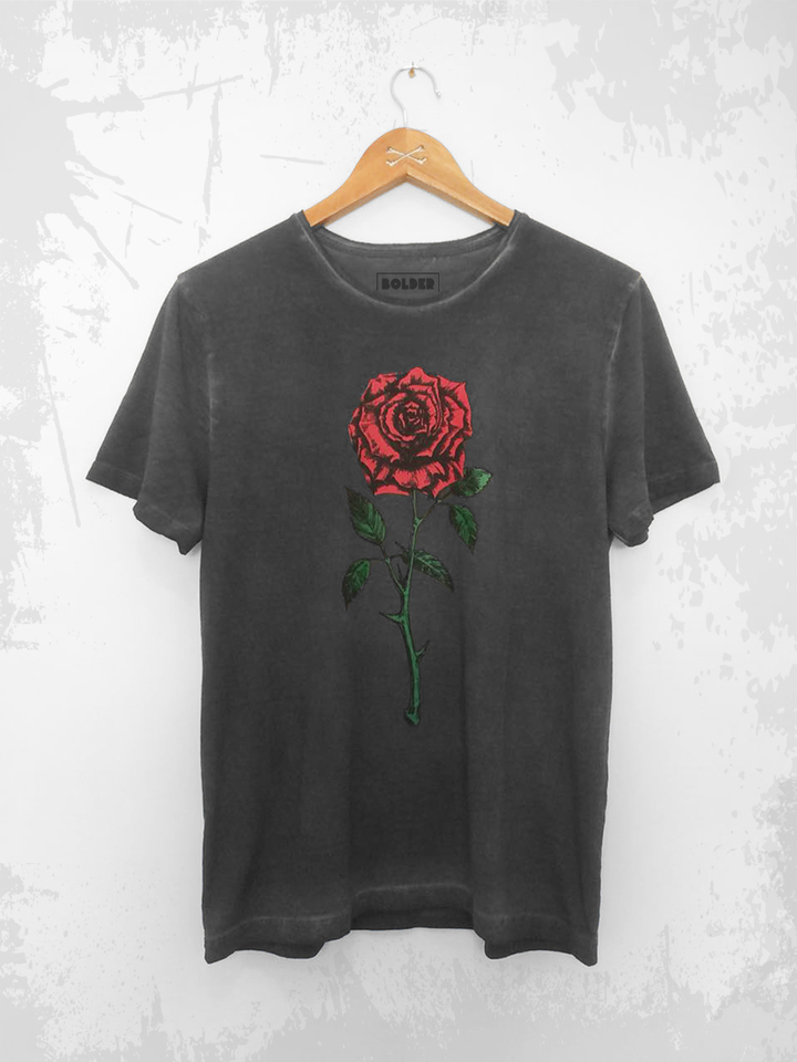 CAMISETA RED ROSE ESTONADA