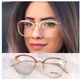 Óculos dourado sem grau 67018c2365