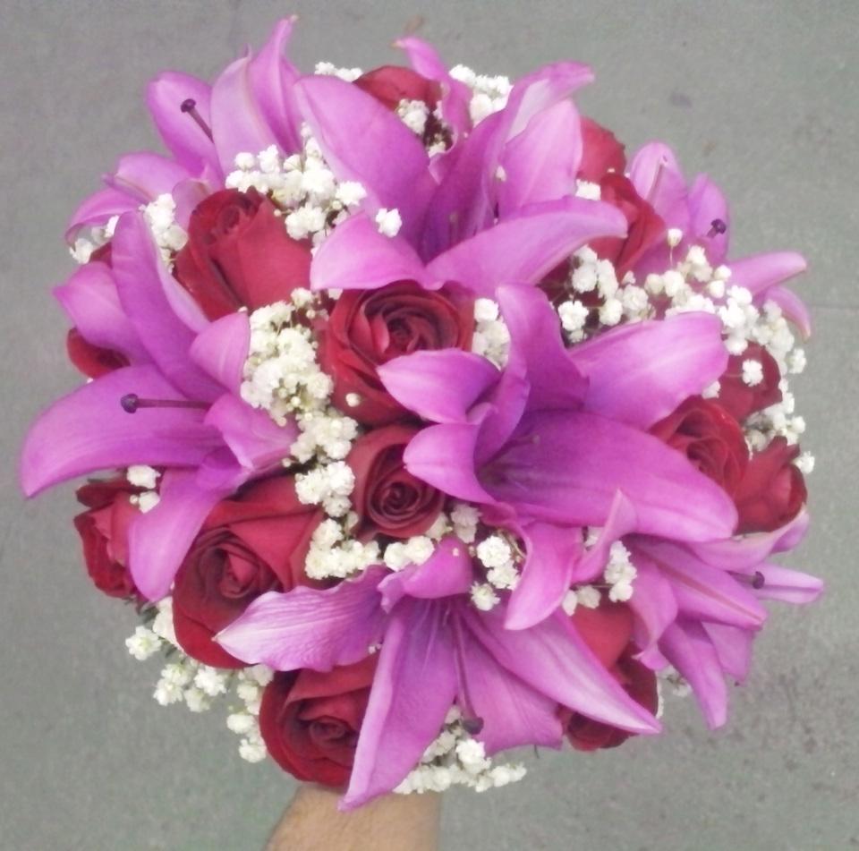 Buqu de noiva rosas vermelhas e lrios pink camlia flores nova buqu de noiva rosas vermelhas e lrios pink junglespirit Gallery